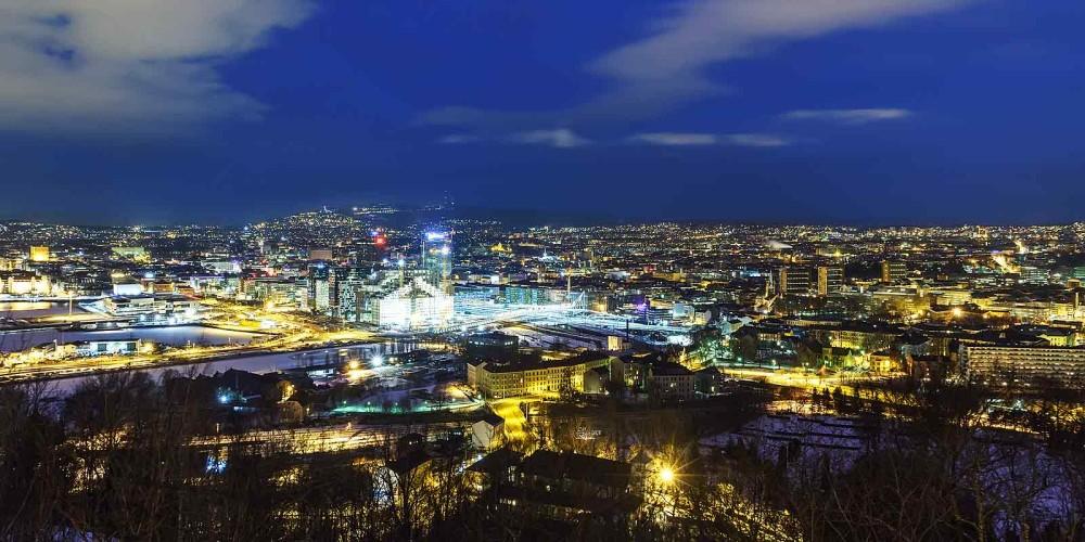 Oslo by om kvelden